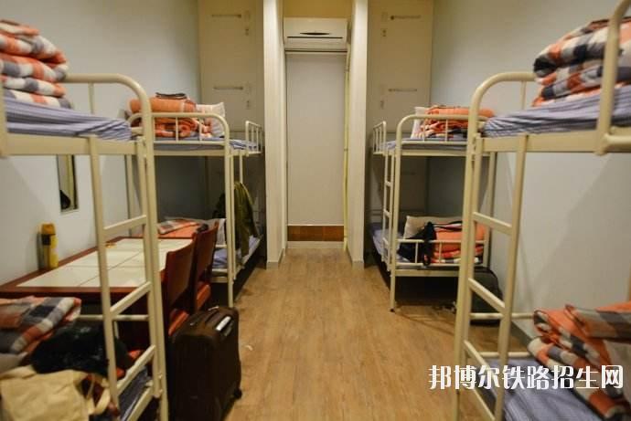 贵州航空工业技师铁路学院宿舍条件